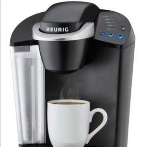 Fully functioning Black keurig coffee maker